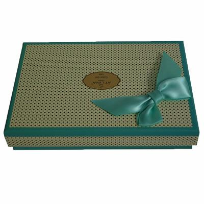 Creative square paper packaging gift box with pretty bowknot